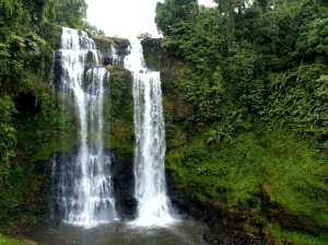 waterfall-141771_1280