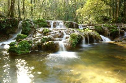 waterfall-620313_1280